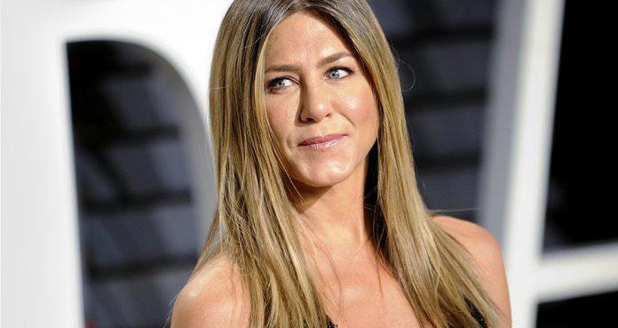 Jennifer Aniston's Trainer Advises Hydrate